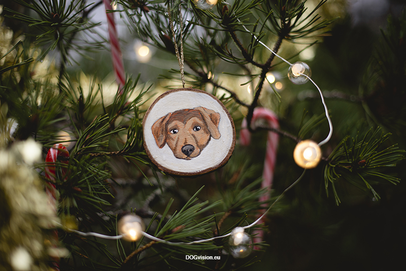 Diy wooden painted dog Christmas ornament, www.DOGvision.be