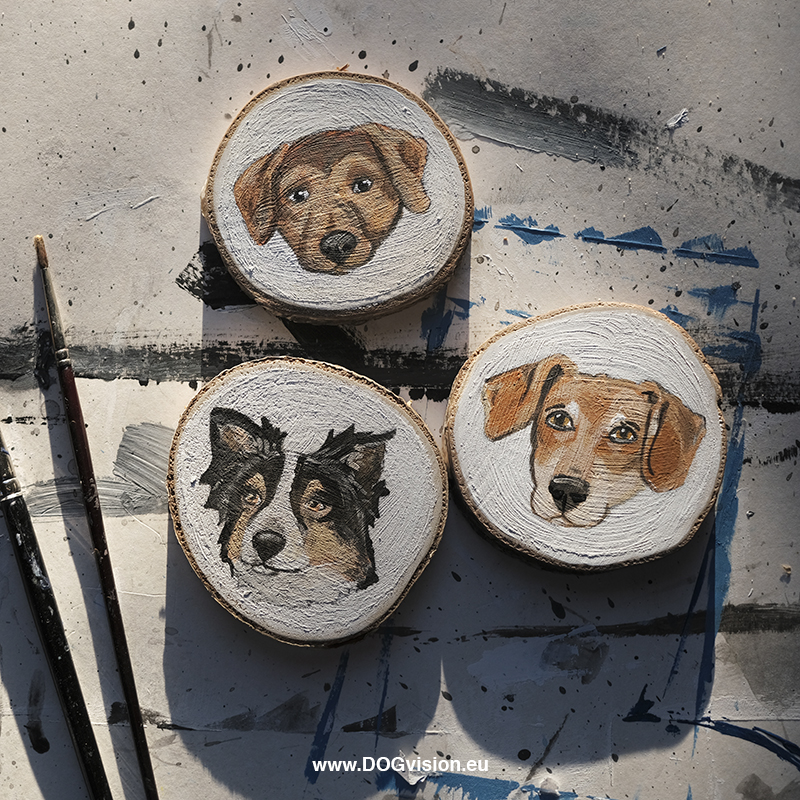 Diy dog Christmas tree decorations, wooden painted ornaments, painted dog cartoon portrait. www.DOGvision.eu